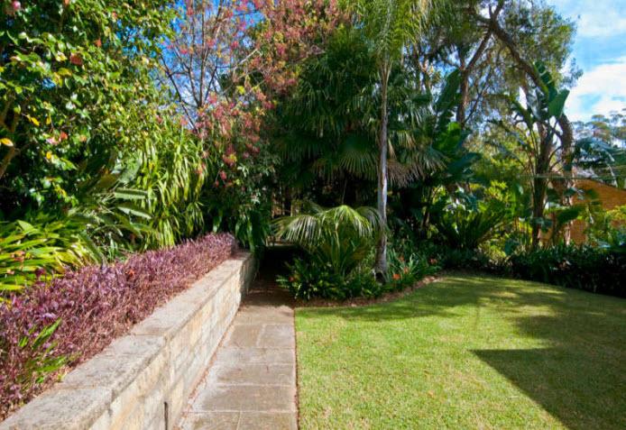 North Shore Sydney NSW Tropical Garden - Jim's Mowing